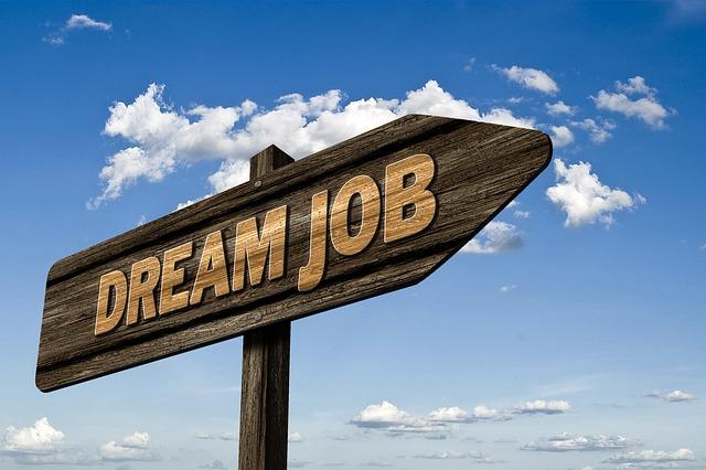 Nezamestnanosť dobrovoľná a nedobrovoľná