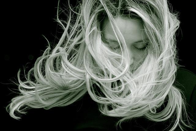 Krásne, prirodzené vlasy