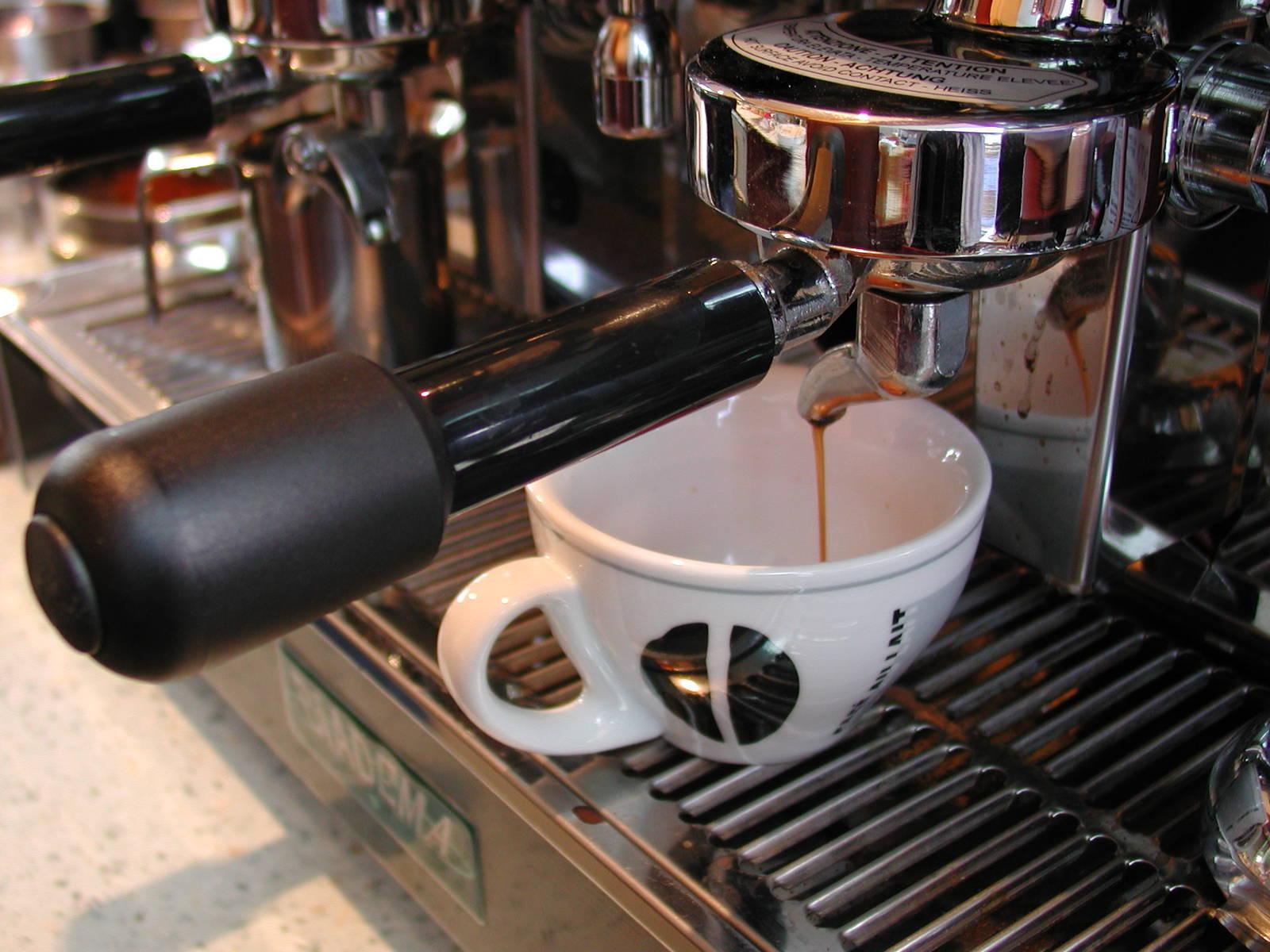prístroj na kávu